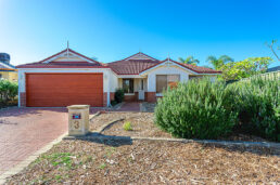 3 Karri Way, THORNLIE  WA  6108